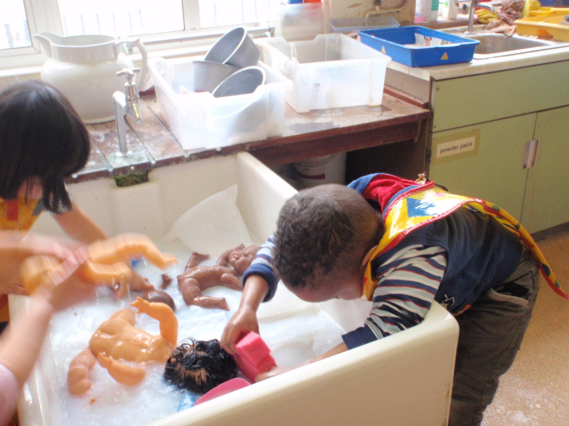 ece child observation View essay - ece 205 child development observation toddler from ece 205 at ashford university running head: child development child development observation (toddler) kimberly thomas ece 205 week 3.